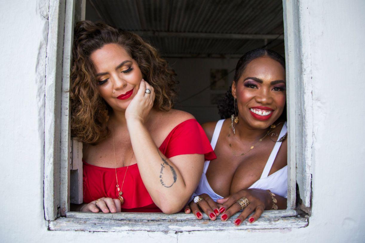 Clube do Samba é comandado por Karynna Spinelli e Helena Cristina