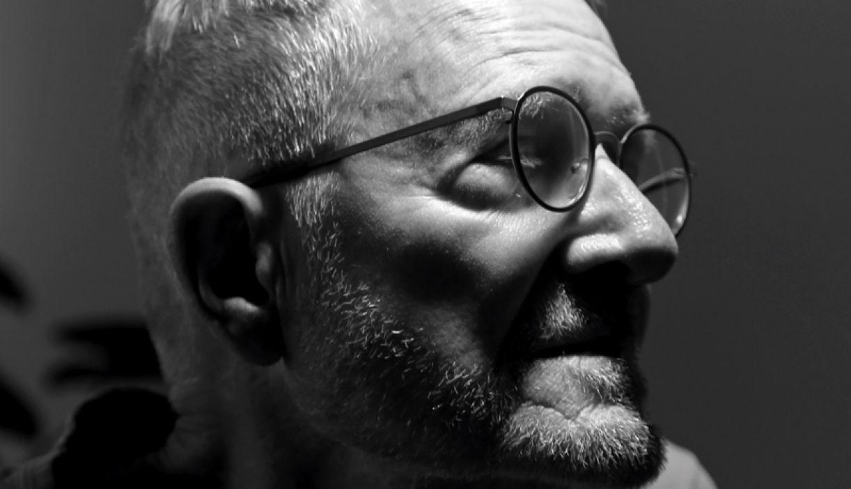 O professor, ator, escritor e cineasta Jean-Claude Bernardet