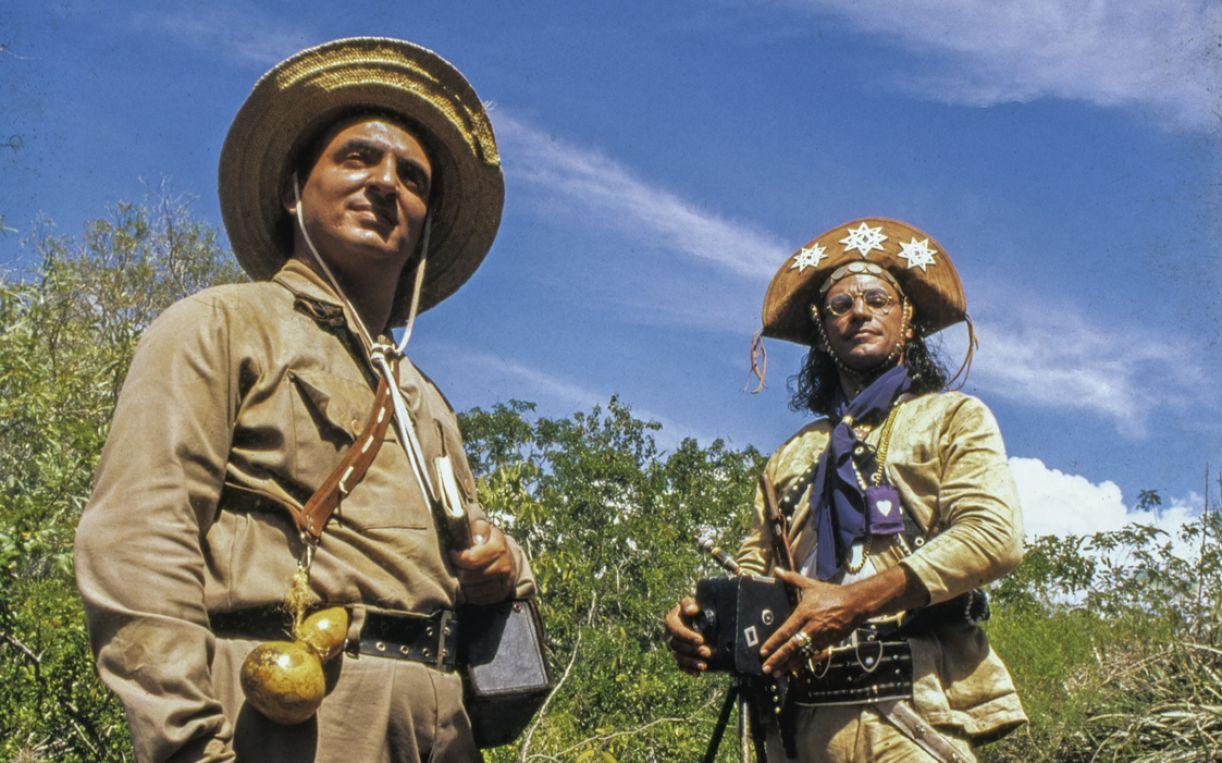 Os atores Duda Mamberti e Luiz Carlos Vasconcelos nas filmagens de 'Baile perfumado'