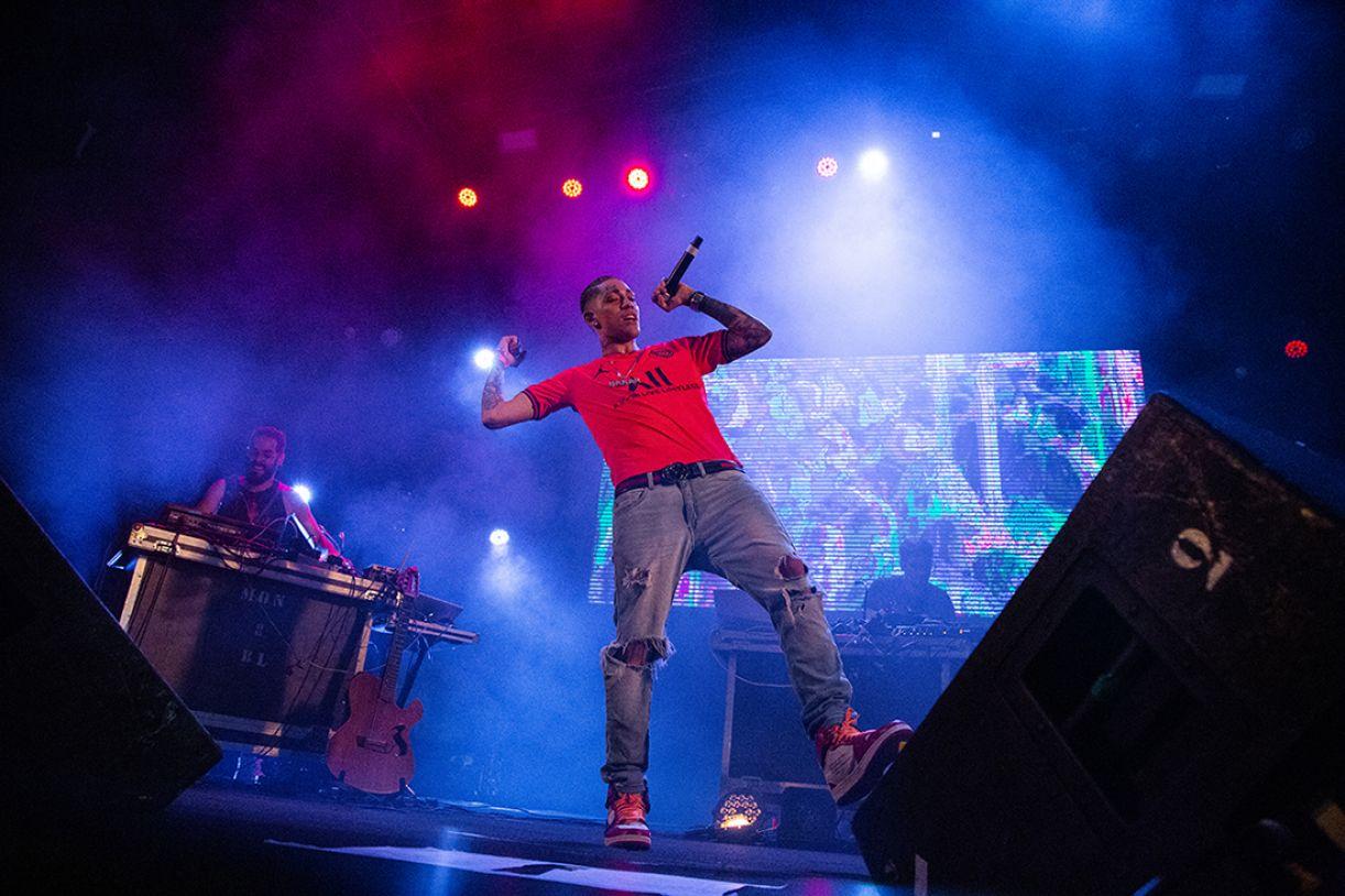 Participação de MC Draak no show do Estesia, durante o 'Rec-Beat' 2020