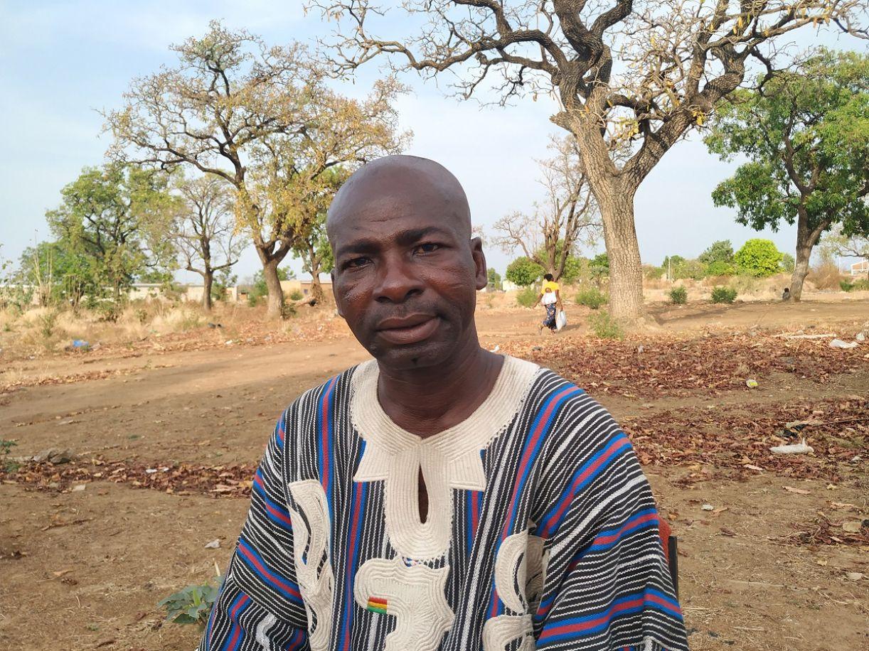 Sié Siriwanè Kambou no local da entrevista, na cidade de Gaoua