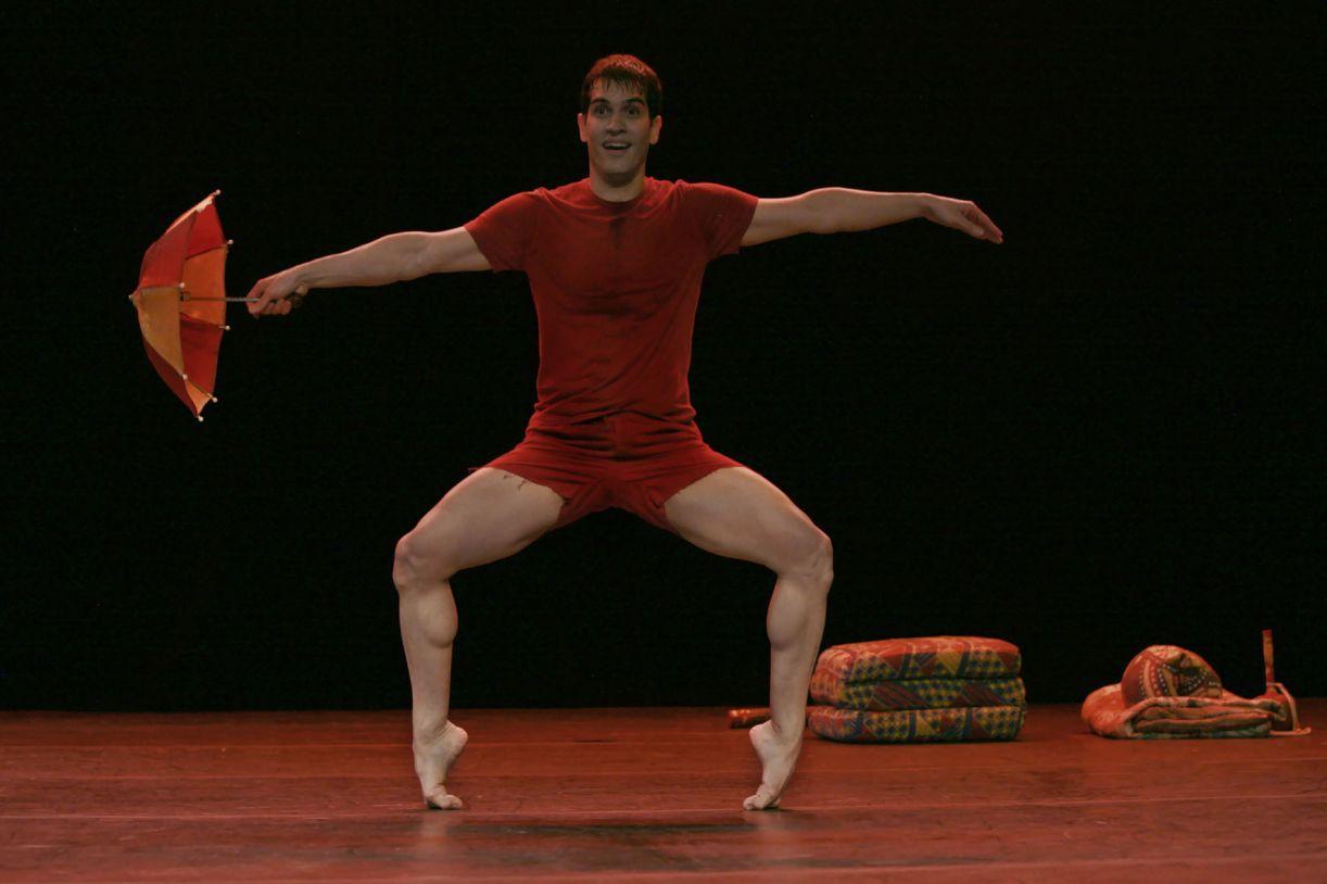 Ângelo Madureira em seu solo 'Delírio'