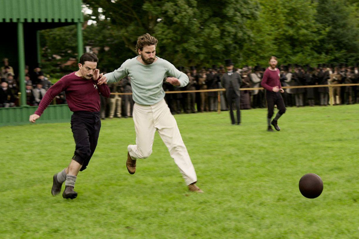 Confira a produção original da Netflix, capitaneada por Julian Fellowes, mesmo criador de 'Downton Abbey'