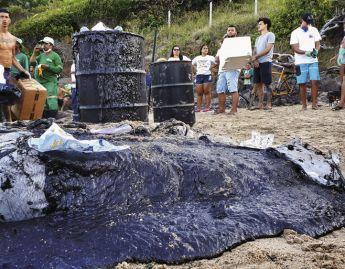 Vazamento de óleo no litoral