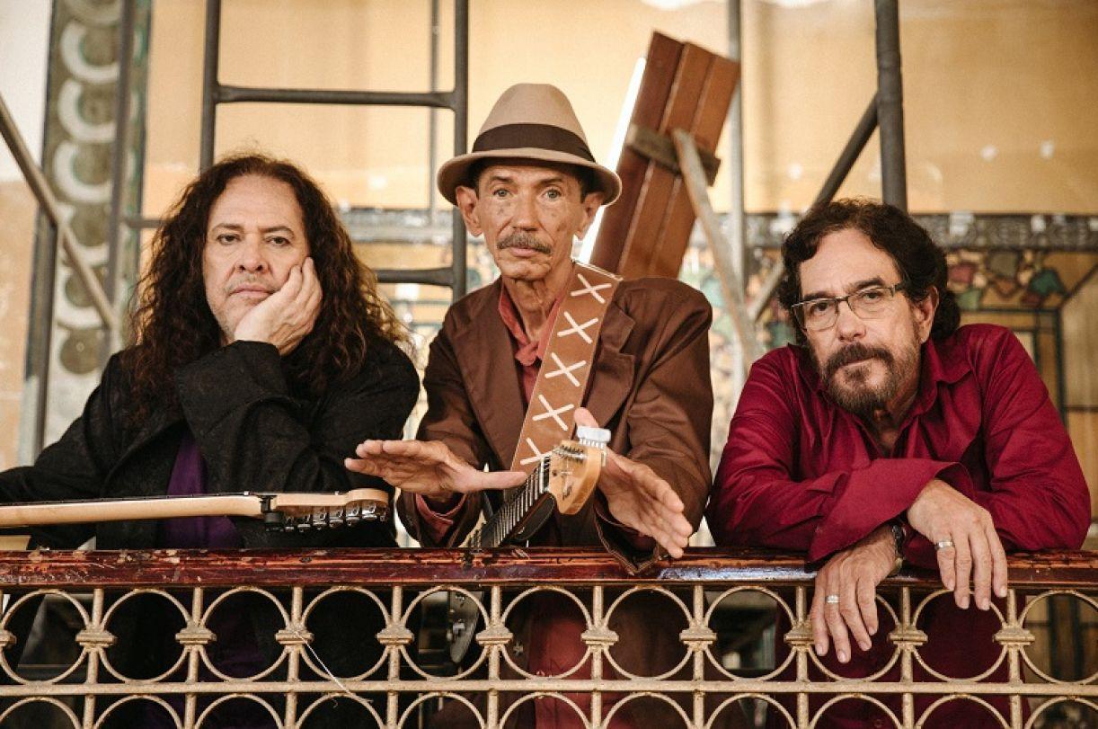 Paulo Rafael, Almir de Oliveira e Marco Polo, veteranos da banda Ave Sangria