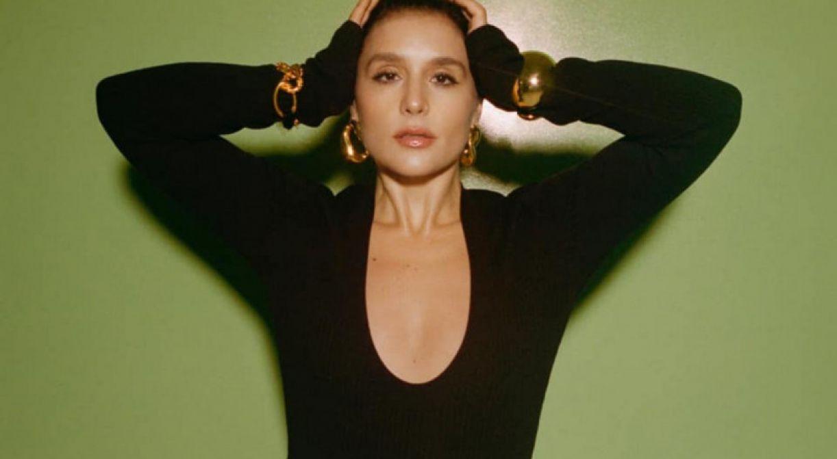 Entre 'Glasshouse' (2017) e 'What's your pleasure?', cantora lançou livro de receitas, virou podcaster de sucesso e tocou no Coachella