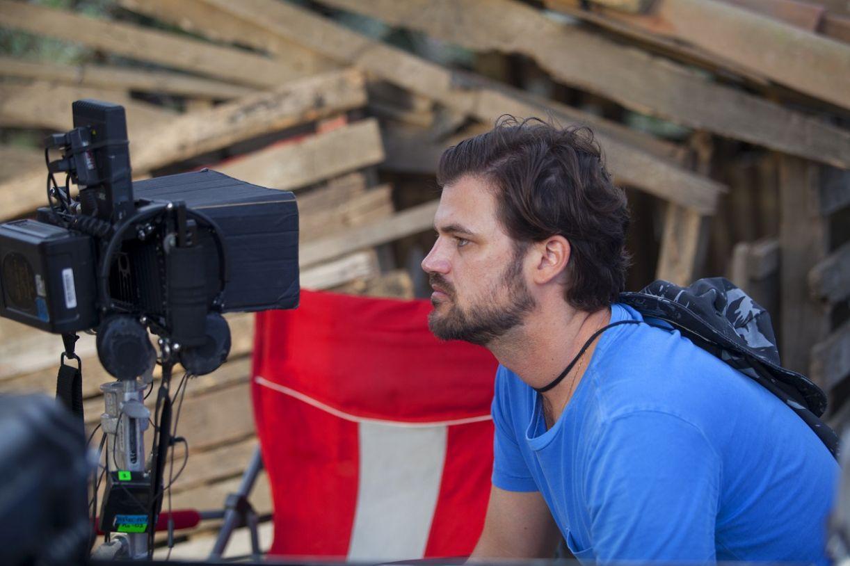O diretor Marcelo Brennand durante as filmagens de 'Curral'