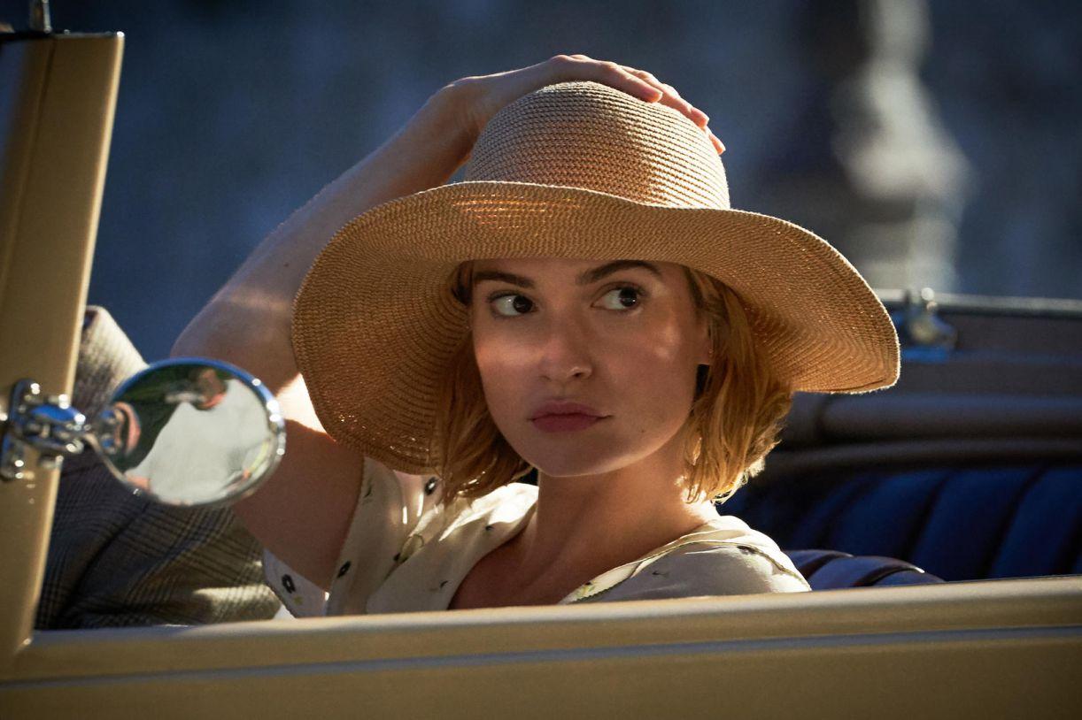 Lily James é Mrs. de Winter no filme de 2020