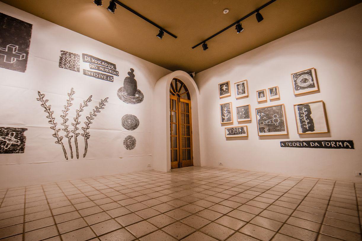 Exposição na Garrido na noite de inauguração