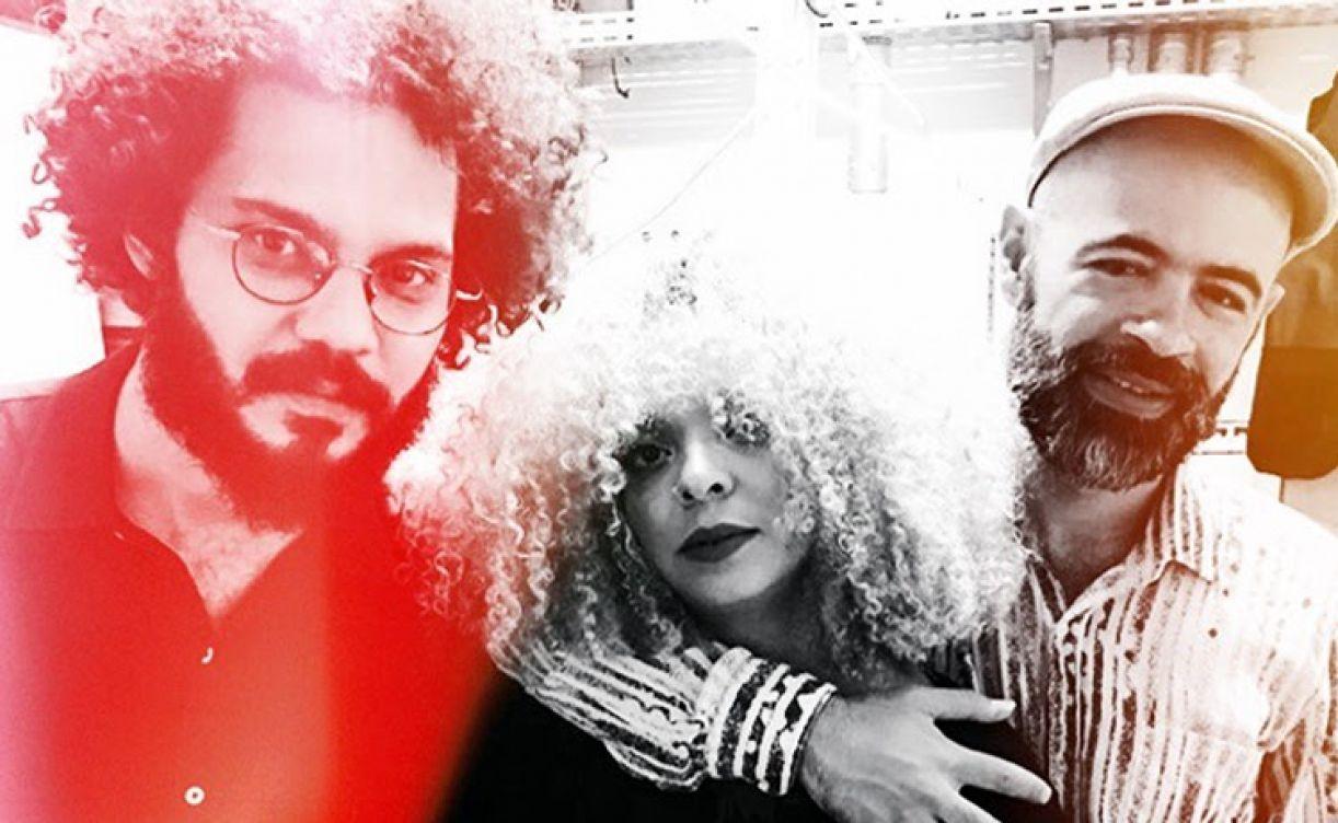 Espetáculo musical: Anelis Assumpção - da esquerda para a direita: Rodrigo Campos, Anelis Assumpção e Saulo Duarte.