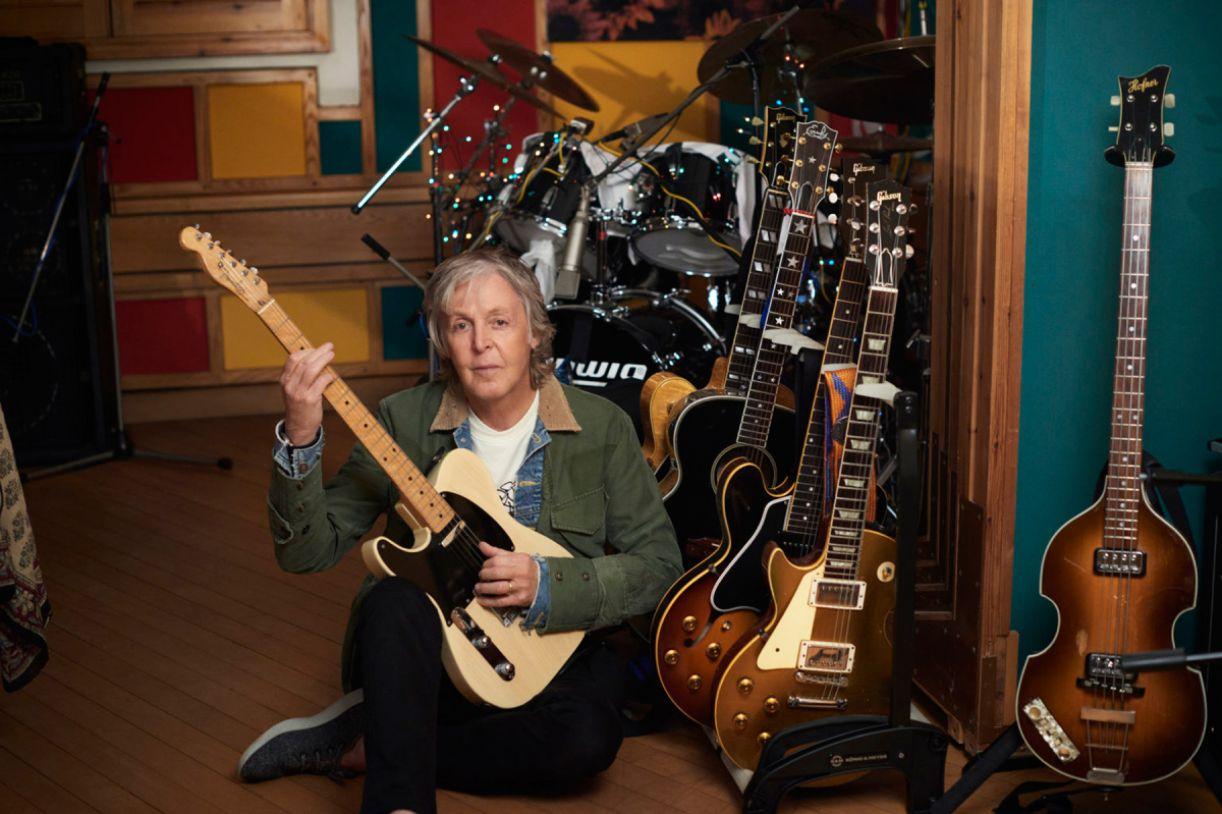 Paul McCartney em seu home studio, onde gravou 'McCartney III'