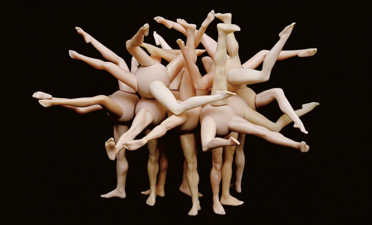 'Gênero' (2006), resina e borracha, 30 x 50 x 40 cm