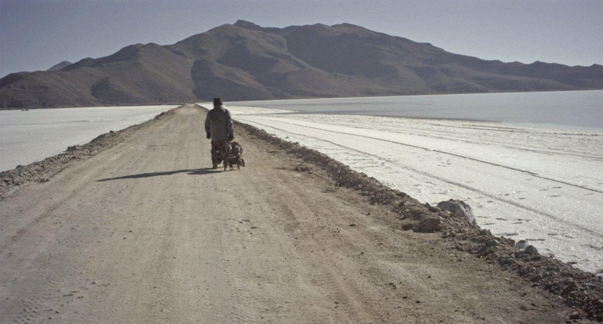 Longa-metragem do realizador pernambucano é uma travessia pela América do Sul