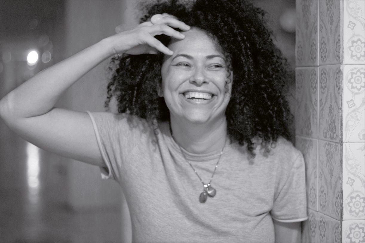 Ruth Ducaso, assinatura poética da escritora baiana Luciany Aparecida
