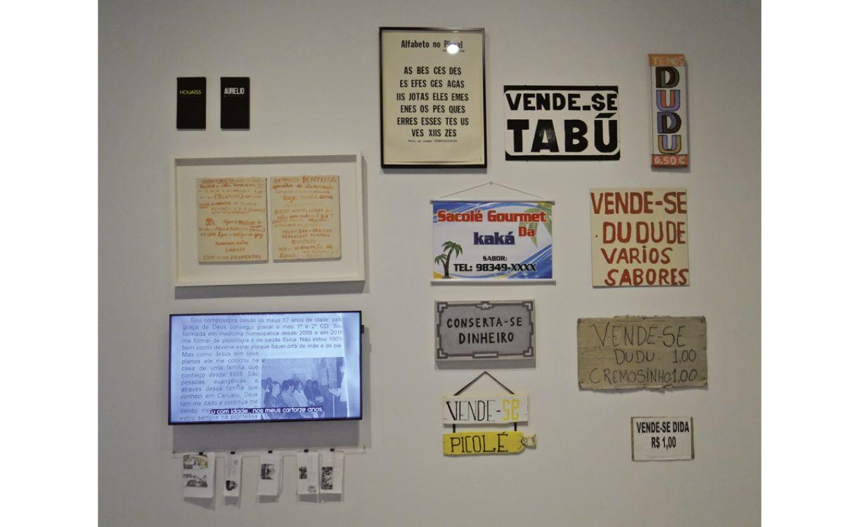 A mostra tenciona o erudito e o popular no âmbito da linguagem