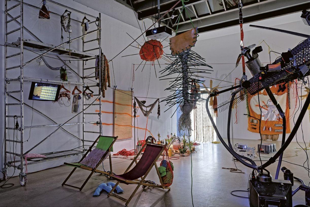 'Brasil 2019 – Partitura para fogo e metais pesados' (2019), integrante da 15ª Bienal de Arte Contemporânea de Lyon