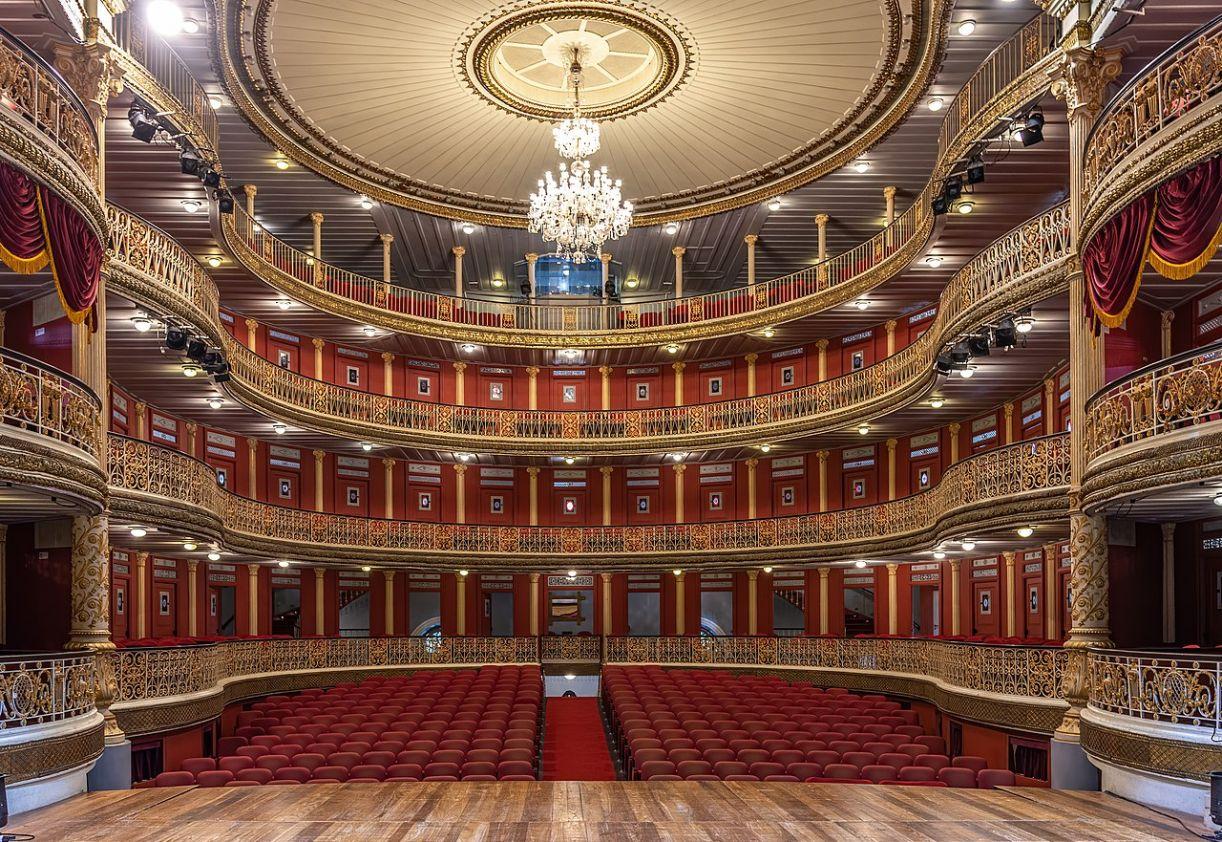 Vista do interior do Teatro de Santa Isabel