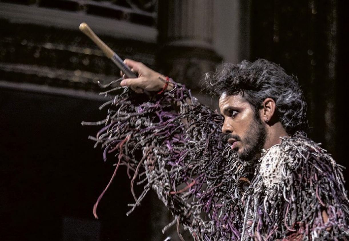 Almério, durante a gravação de seu DVD Desenpena Vivo, em 2019