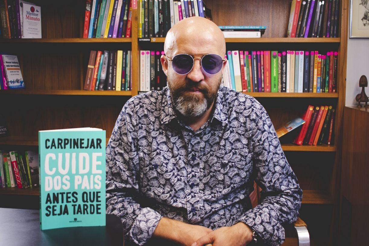 Fabrício Carpinejar é um dos autores presentes na programação