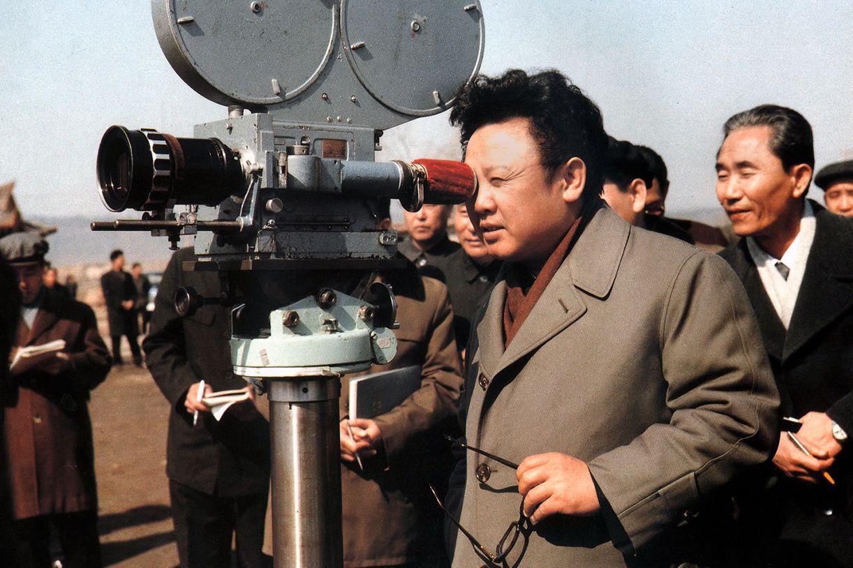 Kim Jong-il, desde os anos 1970, passou a dirigir e produzir filmes. Acima, cena do doc 'Os amantes e o déspota'