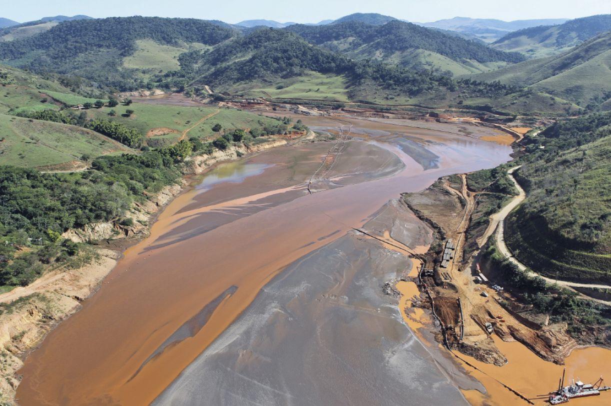 O desastre no Rio Doce, em Minas Gerais, causado pela empresa Samarco