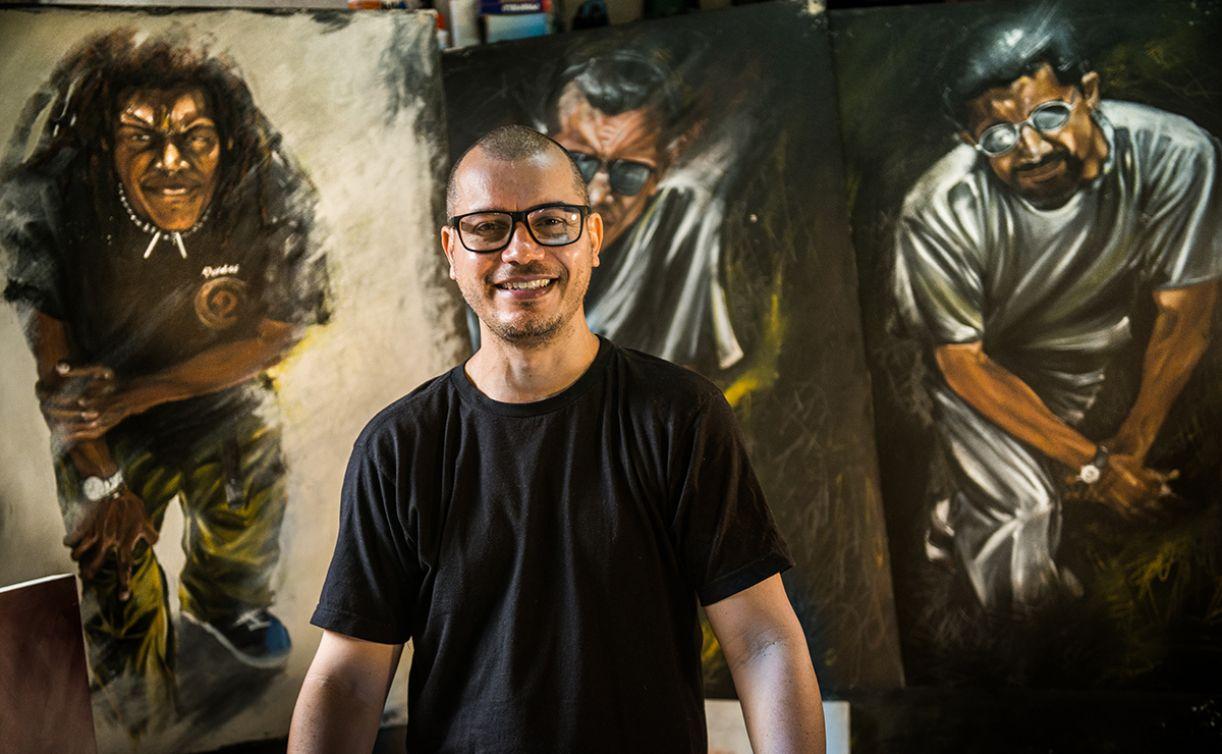 O artista Neilton Carvalho, também guitarrista do Devotos, é o curador da exposição