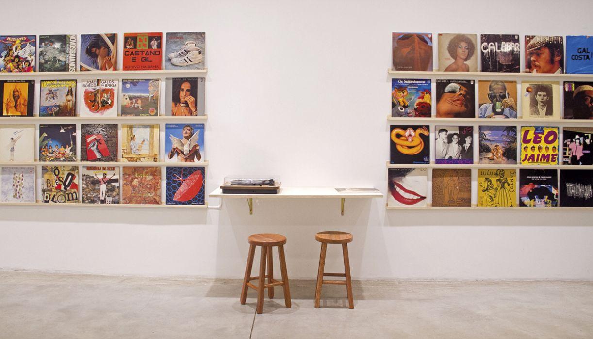'Introdução à história da arte brasileira 1960-1990', instalação, 2015