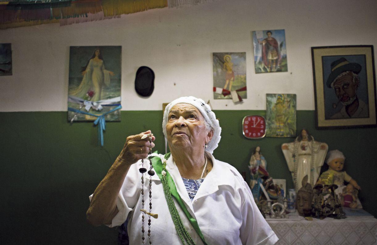 Iraci Rodrigues é espírita e se utiliza também do conhecimento dos orixás