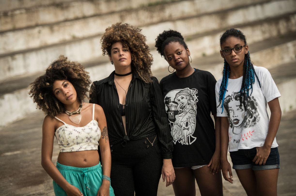 Bell Puã, Luna Vitrolira, Adelaide Santos e Bione, expoentes dessa nova geração de declamadoras