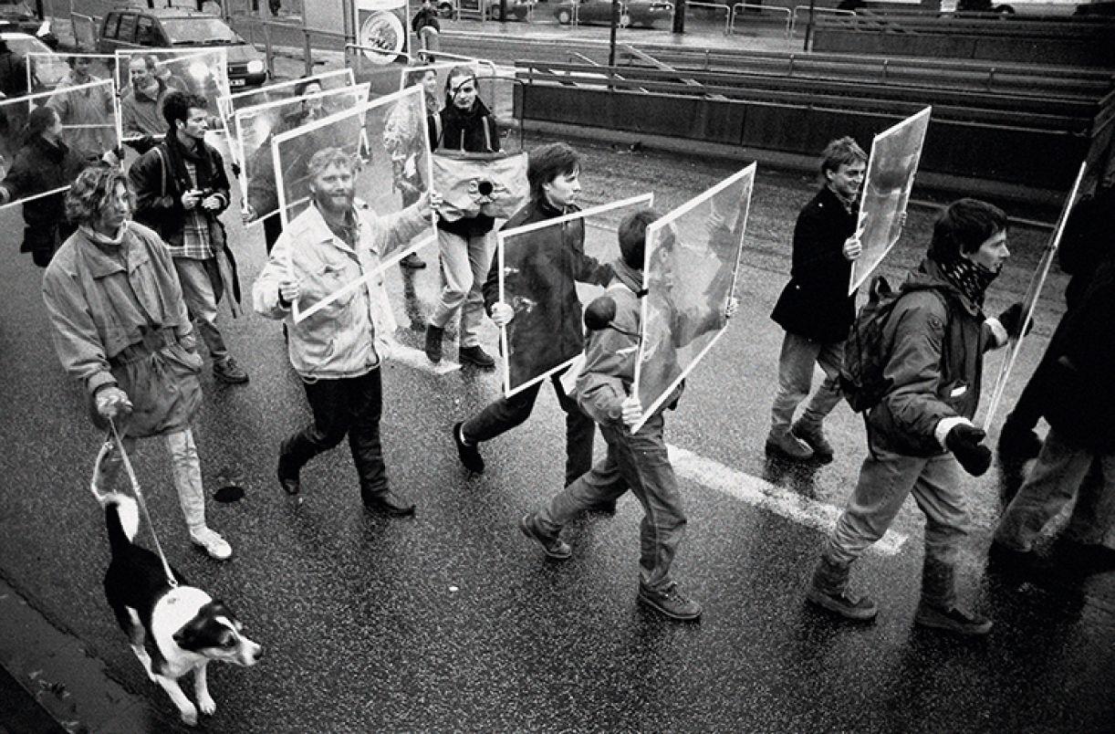 Performance que criticava o uso excessivo de carros aconteceu em 1992, em Kassel