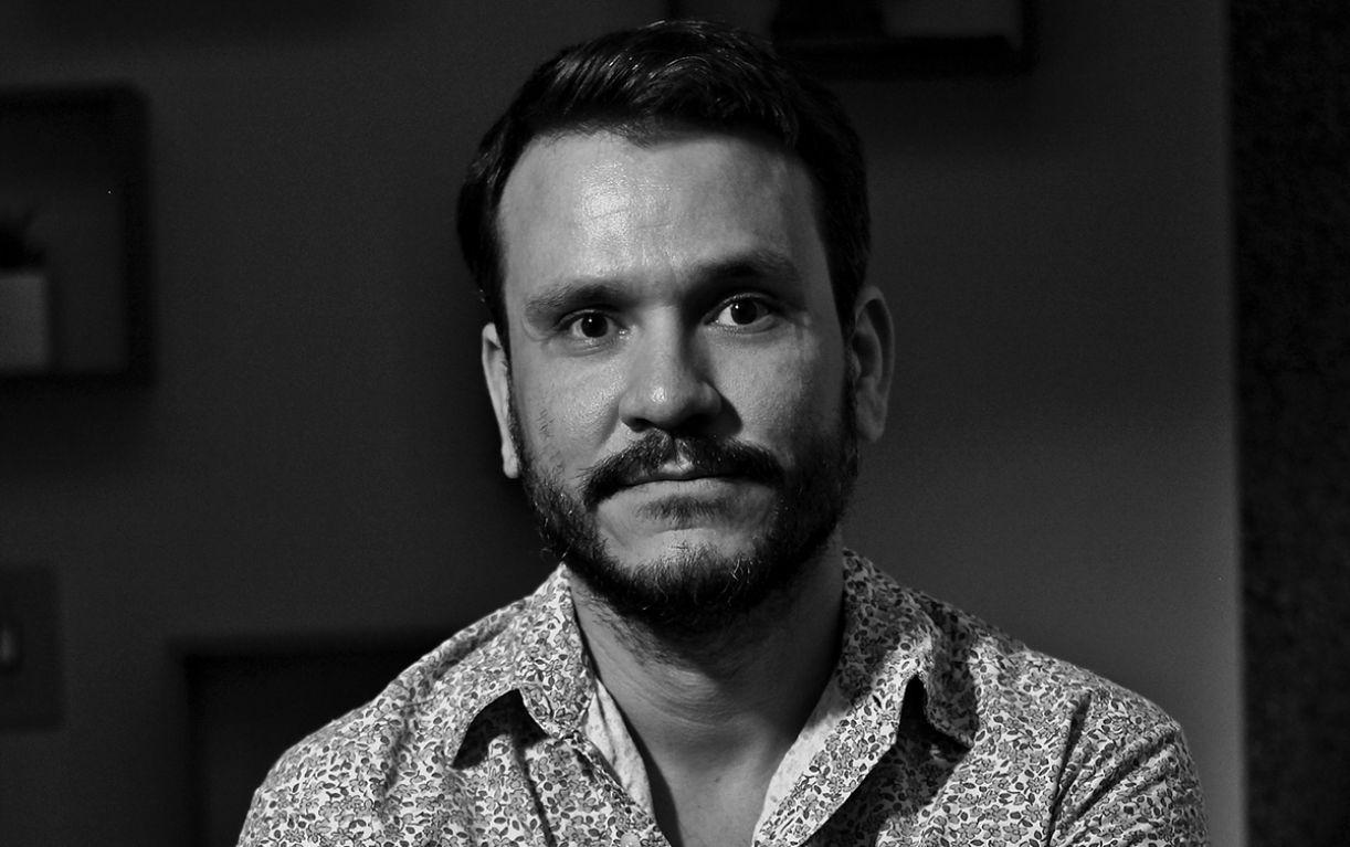 O dramaturgo Rodrigo Dourado