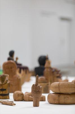 Ex-votos de artesãos contratos por Ai Weiwei na Oca (SP). Foto: Carol Quintanilha/Divulgação