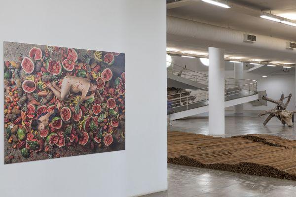 Imagem de Ai Weiwei na Oca (SP). Foto: Carol Quintanilha/Divulgação