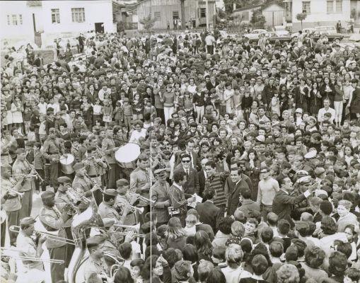 Em 1966, aos 22 anos, Chico vira fenômeno nacional, recebendo homenagens em várias cidades, como Curitiba. Foto: Acervo Chico Buarque