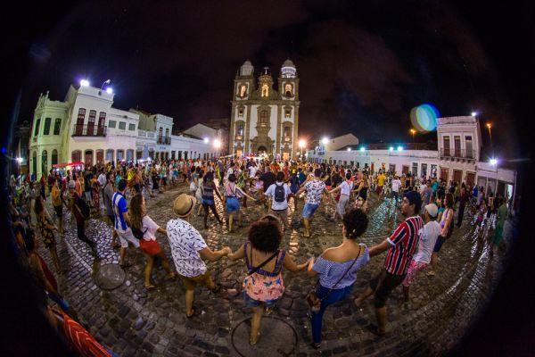 Ciranda no Pátio de São Pedro (Recife-PE). Foto: Breno Laprovitera