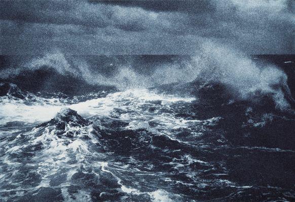 'Pequeno compêndio dos mares III' (2014). Fotogravura sobre papel hahnemühle, 15 x 20 cm (aprox.). Por Flora Assumpção