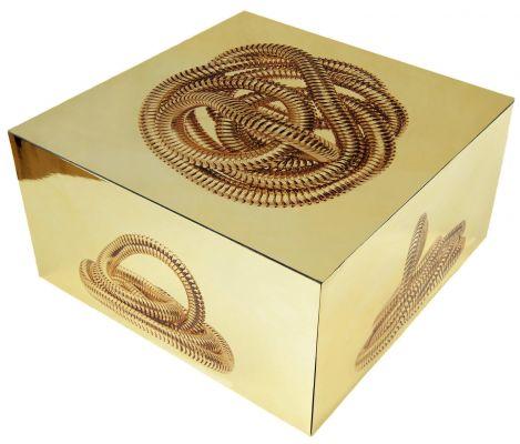 'Serpentes de ouro II', da série 'Serpentes fantasmas' (2012). Caixa de madeira e acetato e impressão em poliéster espelho, 14 x 30 x 30 cm. Por Flora Assumpção