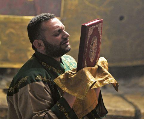 Cristão ortodoxo na Basílica da Natividade, em Belém
